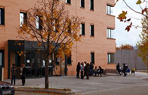 <p><strong>El acto de bienvenida de los alumnos de nuevo ingreso en el Grado en Qu&iacute;mica, tendr&aacute; lugar el d&iacute;a 10 de septiembre, a las 13:00 horas, en el aula 0.1 del edificio Polivalente (Qu&iacute;mica)</strong>.</p>